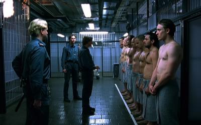 """Cinépsy : Les expériences psychologiques dans le film """"Das Experiment"""""""
