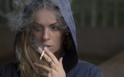 Smokin' hot : adolescent smoking and the risk of psychosis